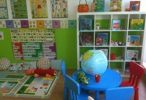 Une salle pour enfants dans un centre Les Petits Bilingues