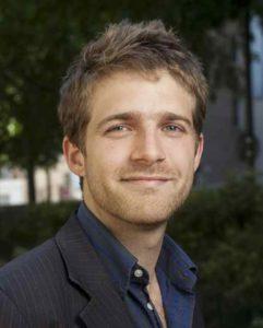 Antoine Gentil, fondateur de Speaking Agency, agence nounou bilingue