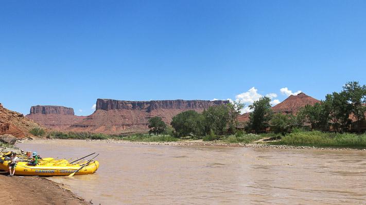 Rafting pendant un summer camp