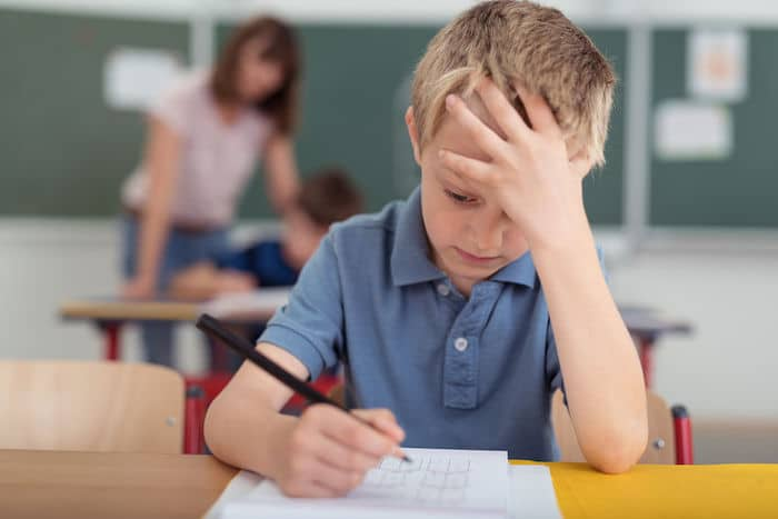 Un enfant francophone dans une école à l'étranger