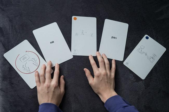 Formuler une phrase avec les cartes