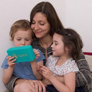 Ma fabrique à histoire permet aux enfants d'écouter des hisoires sans écran