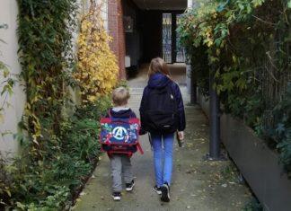 2 enfants font leur rentrée scolaire en France après une expatriation