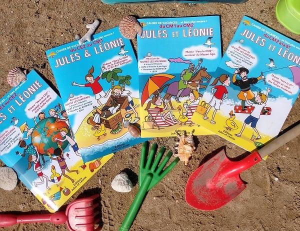 Couverture des 4 cahiers de vacanes Jules & Léonie