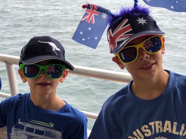 2 enfants expatriés qui vivent l'expérience de l'école australienne
