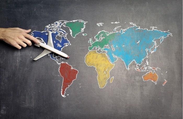 Carte du monde illustrant les postes à l'international